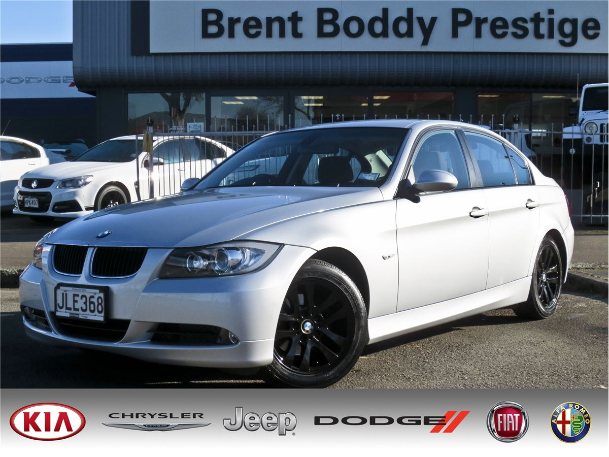 bmw 3 series 320i 2007 brent boddy prestige the home of new and used kia chrysler jeep. Black Bedroom Furniture Sets. Home Design Ideas