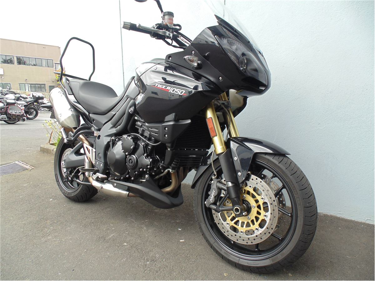 Triumph tiger 1050 a1 condition 2013 cyclespot new for Honda maintenance a1