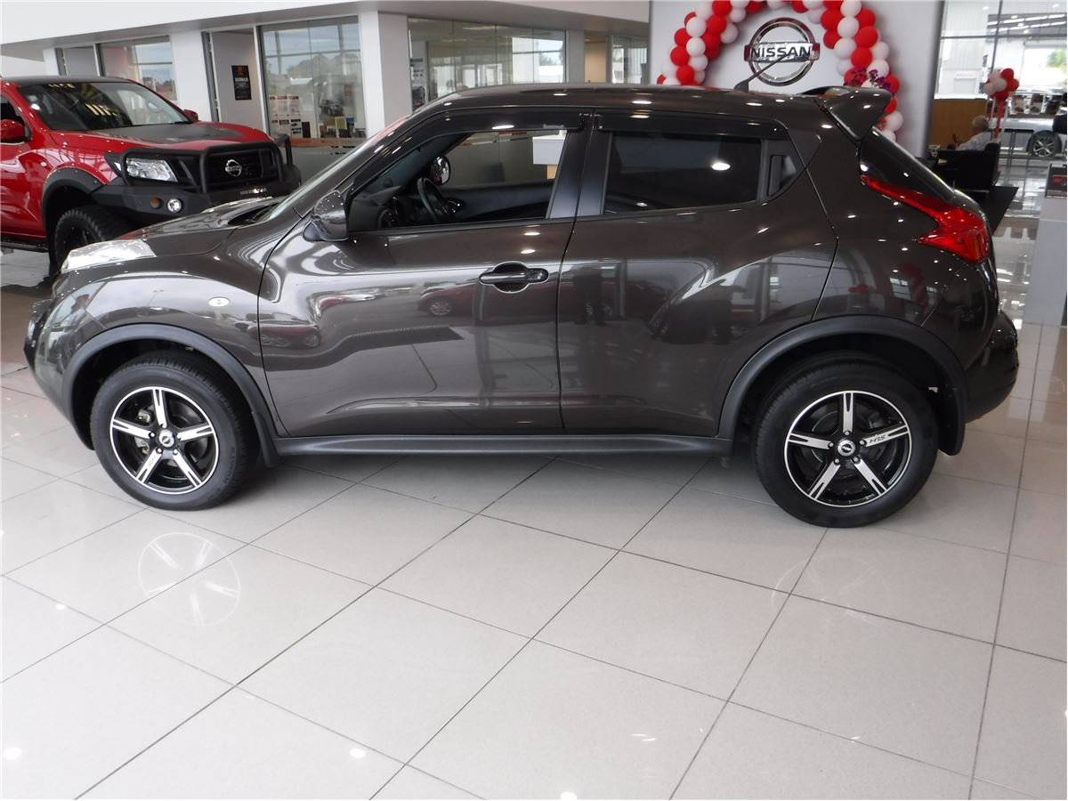 nissan juke st includes 3 year ahg mechanical warranty 2012 manukau nissan nz s largest. Black Bedroom Furniture Sets. Home Design Ideas
