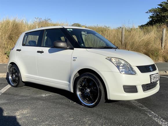 Suzuki Swift GLX 2009