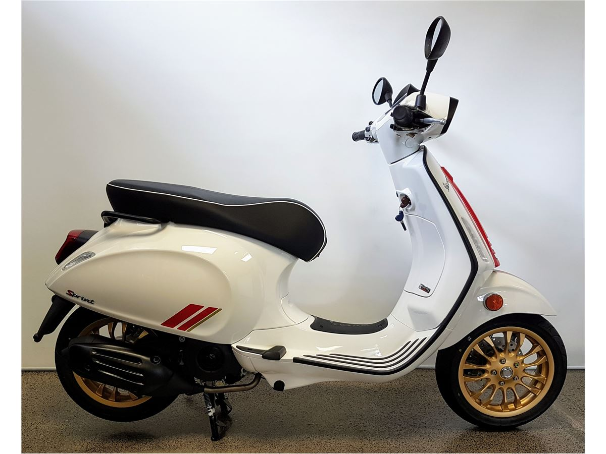 Vespa Sprint Sprint 150 Racing Sixties 2021 Cyclespot New And Used Yamaha Bmw Ktm Ducati Husqvarna Vespa Indian Kawasaki Victory Motorcycles Servicing And Parts Auckland New Zealand