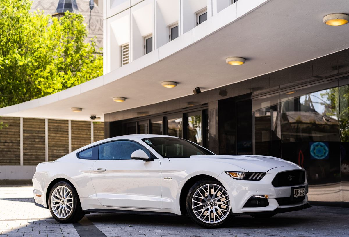 Ford mustang 5 0l fastback gt auto 2016