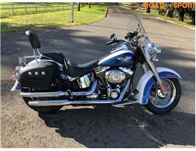 Harley Davidson Deluxe FLSTN 2010