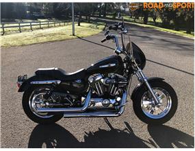 Harley Davidson 1200 Sportster XL1200C 2011